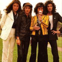 Queen In Japan - 1976