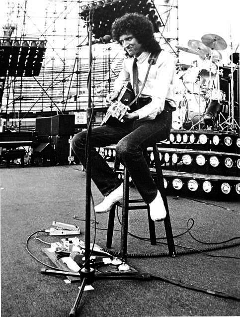 brian-on-stage-during-a-sound-check-on-the-south-american-tour-in-1981